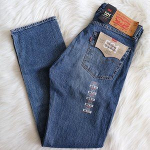 Levi's 501 Original VTG Boyfriend Medium Wash Jean